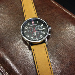 wenger-commando-chrono-01-1243-104-hnedy-reminek-1
