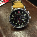 wenger-commando-chrono-01-1243-104-hnedy-reminek-3