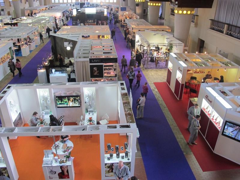 Takto vypadala výstava Hodiny a klenoty v roce 2013 e7ab4ac636