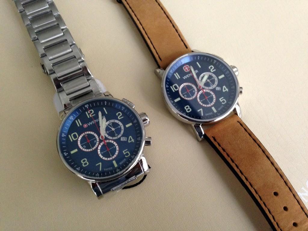 Porovnání nového a staršího ciferníku Wenger hodinek.