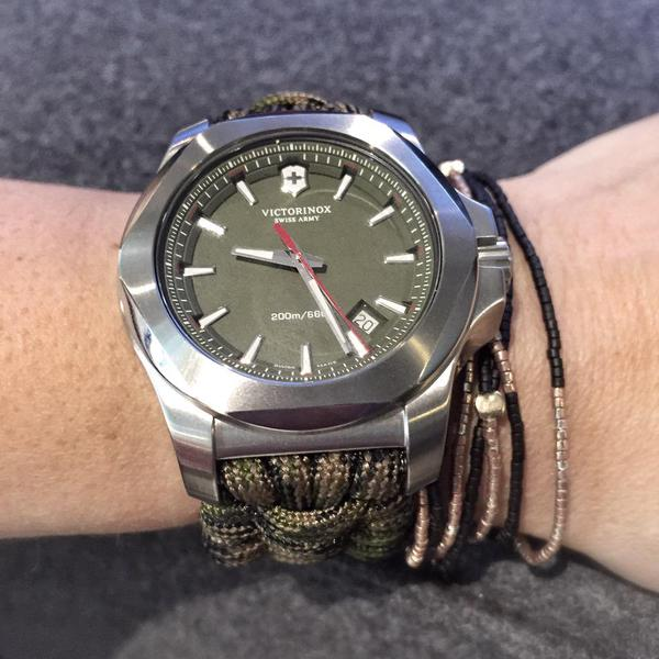 Victorinox I.N.O.X. Naimakka  hodinky s lanem  d44c55bd4dc