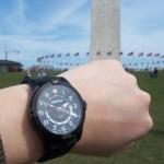Detail hodinek Wenger Squadron 77073 při cestě po USA