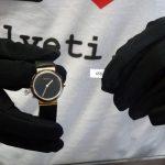 Detail hodinek a číslo 458.