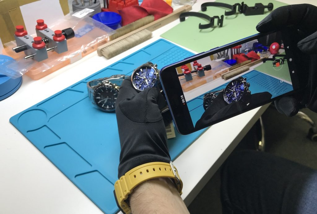 Rádi vám hodinky předvedeme před kamerou